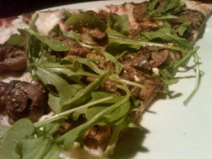 mushroom-goatcheese-flatbread-pizza